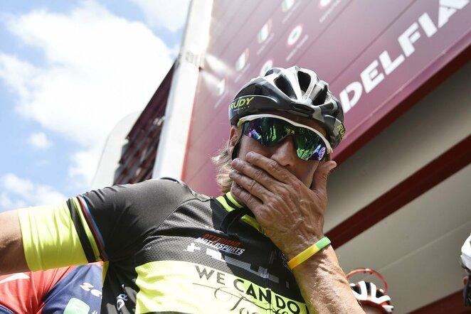 Davide Nicola dviračiu numynė apie 1300 km.   Scanpix nuotr.