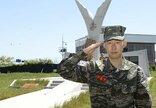 H.Min Sonas atliko privalomą karo...