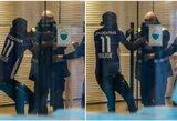 Kamerūno futbolininkas užsinorėjo palikti klubą: į treniruotę atėjo su didžiausių priešų apranga