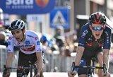 """Per 111 metų to dar nebuvo: prieš lemiamą """"Giro d'Italia"""" etapą lenktynės turi du lyderius"""