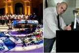 Pasaulis pasmerkė laidojimo namų darbuotojus, fotografavusius prie D.Maradonos karsto