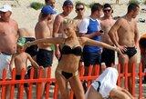 Į aistringas kovas paplūdimio futbolo čempionato finiše įsijungė ir žvaigždės