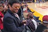 Pamatykite: F.Mayweatheris ir M.Pacquiao vėl susitiko NBA rungtynėse