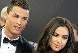 "C.Ancelotti: ""C.Ronaldo rinkdavosi ledo vonias, nors jo namuose laukdavo Irina Shayk"""