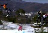 Pamatykite: iš didžiulio aukščio kritęs snieglentininkas olimpiadoje susilaužė kaklą