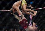 """M.Pereiros šou UFC narve prieš rusą: """"Supermeno"""" smūgis, antausiai, šokiai ir sunertos rankos"""