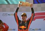 Drama Austrijoje: tragiškai startavęs M.Verstappenas paskutiniuose ratuose išplėšė pergalę
