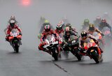 Šlapiose Japonijos GP lenktynėse A.Dovizioso išplėšė pergalę paskutiniame rate