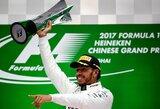 Chaotiškai prasidėjusiose Kinijos GP lenktynėse – L.Hamiltono pergalė