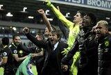 """Pamatykite: šampane išmaudyto A.Conte ir """"Chelsea"""" triumfas laimėjus titulą"""