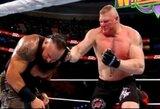 """Pamiršo, kur randasi: B.Lesnaras WWE """"kovoje"""" atliko tikrą smūgį į galvą"""