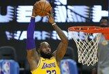 """L.Jamesas atliko trigubą dublį ir """"Lakers"""" sutriuškino """"Warriors"""""""