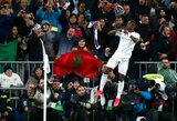 Pamatykite: C.Ronaldo akivaizdoje įvartį pelnęs Viniciusas pakartojo garsųjį portugalo šventimo būdą