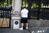 """""""Tottenham Hotspur"""" fanas apšlapino didvyrio policininko memorialą: """"Išgėriau 16 pintų alaus"""""""