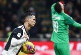 """Vėlyvas C.Ronaldo įvartis paliko šansą """"Juventus"""" kovoti dėl bilieto į Italijos taurės finalą"""