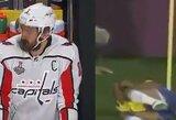 Internautai juokiasi: vaizdo epizodais palygino ledo ritulio ir futbolo žaidėjų skausmo lygį
