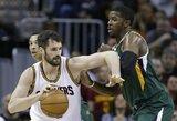 """K.Love'as grįžo ir padėjo laimėti, bet traumą patyrė kiti du """"Cavaliers"""" žaidėjai"""