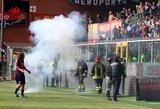 """""""Genoa"""" fanai dėl prasto komandos žaidimo liepė žaidėjams nusivilkti marškinėlius"""