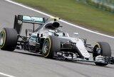 N.Rosbergas sutriuškino varžovus Kinijos GP kvalifikacijoje, L.Hamiltonas startuos paskutinis