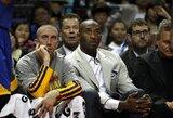 """""""Lakers"""" ikisezoninėse rungtynėse Šanchajuje patyrė triuškinantį pralaimėjimą"""