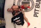 Iš skausmo perkreiptu veidu kovą baigęs M.Pudzianowskis parodė šiurpiai atrodančią koją