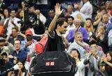 Su skausmais žaidęs R.Federeris pralaimėjo G.Dimitrovui kovą dėl pusfinalio