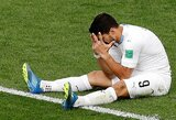 Traumos toliau persekioja Urugvajaus rinktinę: treniruotę šlubčiodamas paliko L.Suarezas