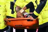 Paskutinėmis rungtynių minutėmis šiurpią traumą patyręs Neymaras nesulaikė ašarų, pirmadienį laukiama išsamesnių tyrimų rezultatų