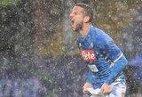 """Italijoje - dėl itin stipraus lietaus laikinai sustabdytos rungtynės ir dramatiška """"Napoli"""" pergalė"""