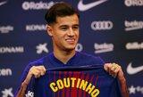 P.Coutinho vilkės legendinio J.Cruyffo numeriu pažymėtais marškinėliais