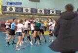 Neįprastas vaizdas Ukrainoje – moterų rankinio rungtynėse kilo masinės muštynės