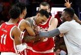 Komiško incidento dėl moters atgarsiai: NBA suspendavo M.Barnesą