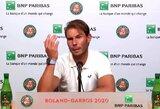 """Iki išnaktų žaisti turėjęs R.Nadalis pažėrė kritikos """"Roland Garros"""" organizatoriams"""