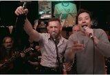 """Prieš pasitraukimą iš MMA su J.Fallonu dainavęs ir gėręs C.McGregoras: """"Kalbamės dėl kovos liepos mėnesį"""""""