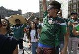 Pamatykite: Meksikoje ant rankų nešiojamas korėjietis bei vokiečiams atsisveikinimo dainas dainuojantys sirgaliai