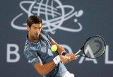 N.Djokovičius Abu Dabyje užtikrintai nugalėjo geriausią Rusijos tenisininką ir pateko į finalą