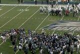 Kuriozas amerikietiško futbolo rungtynėse: už šokį nubausti visi abiejų komandų žaidėjai, trys futbolininkai išvyti iš aikštės