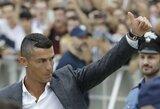 """""""Instagram"""" karalius: vienas C.Ronaldo įrašas vertas beveik 600 tūkst. svarų"""