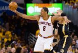 """Ch.Frye įspėjo """"Lakers"""" jaunimą dėl žaidimo su L.Jamesu"""