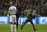 """Į aikštelę išbėgęs """"Celtic"""" fanas bandė įspirti PSG naujokui K.Mbappe"""