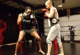 Aiškėja, kada J.Jonesas gaus progą kautis dėl UFC sunkiasvorių čempiono diržo