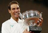 """0:6 pralaimėtas setas, dviguba klaida lemiamu metu ir N.Djokovičiaus krachas """"Roland Garros"""" finale prieš R.Nadalį"""