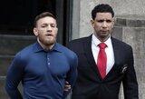C.McGregoras pasidavė Niujorko policijai, jam pareikšti keturi kaltinimai, aiškėja užpuolimo motyvai (papildyta)