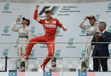 """S.Vettelis sensacingai padovanojo """"Ferrari"""" pirmą pergalę po beveik dvejų metų pertraukos"""