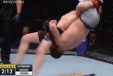 Pamatykite: UFC kovotojas nokautavo pats save