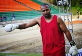 """R.Jonesas jaunesnysis grasina trauktis iš kovos su M.Tysonu: """"Tai nepateisinama"""""""