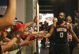 """Nesustabdomas: 61 tašką pelnęs J.Hardenas atvedė """"Rockets"""" į pergalę"""