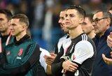 Pamatykite: C.Ronaldo po pralaimėto Italijos Supertaurės finalo apdovanojimų metu nusiėmė medalį