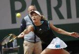 """Žaidybinė krizė tęsiasi: galingai startavusi C.Wozniacki eliminuota pirmajame """"Roland Garros"""" rate"""