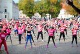 Kauno senamiestyje tūkstantis bėgikų kvietė kovoti su krūties vėžiu